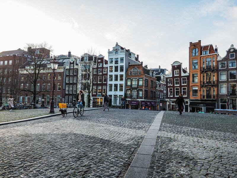 Amsterdam kolorowe kamienice